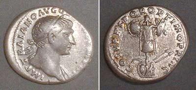 Denarius (Trajan), Rev: trophies