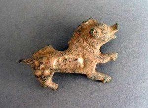 boarbrooch, bronze