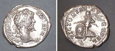 Denarius (Sept. Sev.), Rv: Victoria with shield